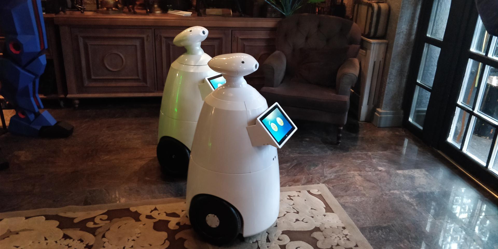 Робот р бот 100 – будущее маркетинга