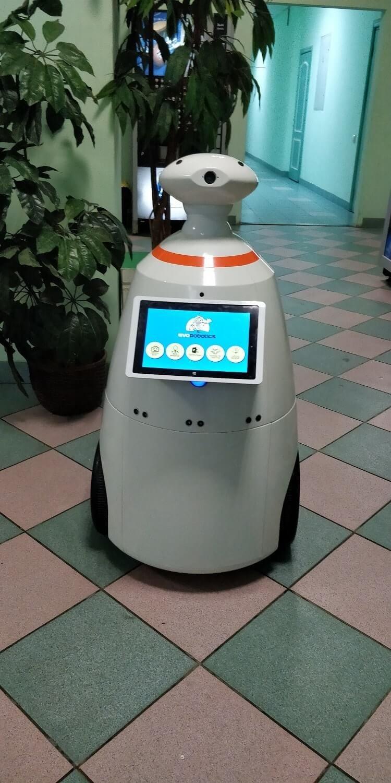 Робот R.Bot 100 Plus для выставочной компании «ЭвоРоботикс» г. Челябинск